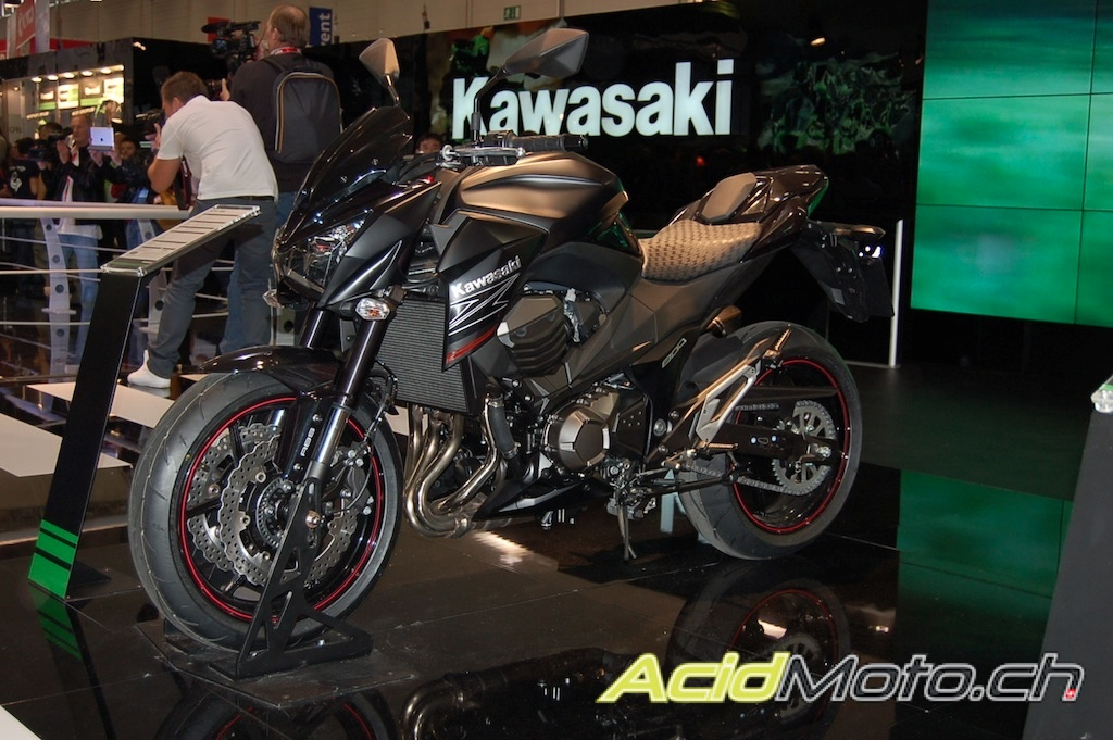 intermot en live kawasaki d voile sa z800 le site suisse de l 39 information moto. Black Bedroom Furniture Sets. Home Design Ideas
